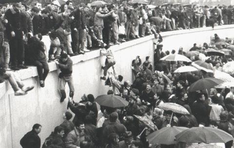 Cosa sapete della caduta del muro di Berlino?