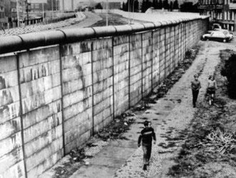 Muro di Berlino: La barriera della Guerra Fredda