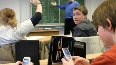 La tecnologia è importante ma senza farne abuso.