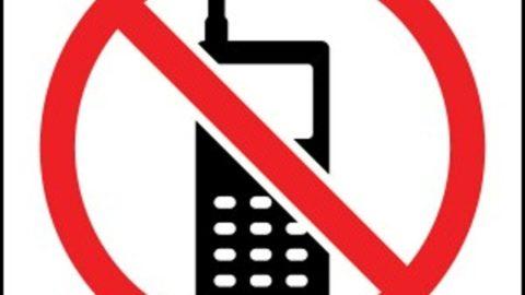 Telefono in classe: giusto o sbagliato?
