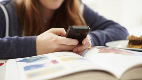 L'uso del telefono in classe.