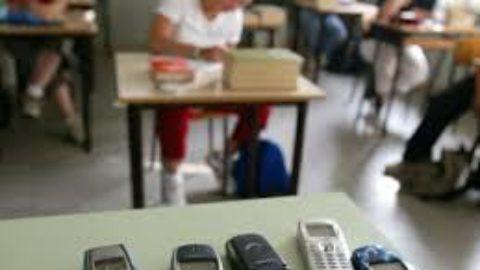 Cellulari in classe??? Ma per favore!!!