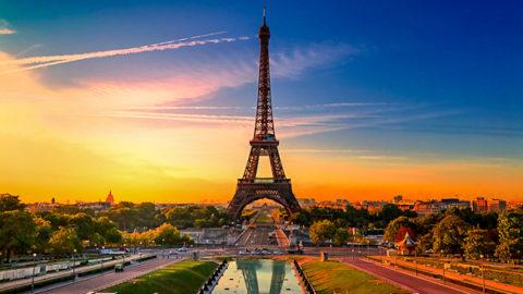 Parigi: città dell'amore o città della morte?