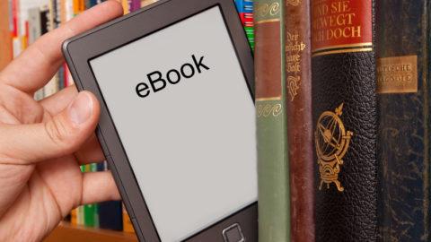 LIBRI O E-BOOK? NON SIAMO SU UN RING!