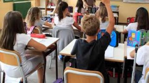 EDUCAZIONE FINANZIARIA TRA I BANCHI DI SCUOLA PREVENZIONE INTELLIGENTE O PERDITA DI TEMPO?