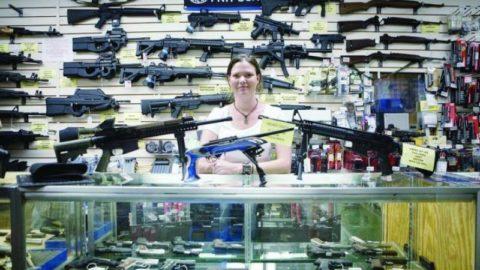 Il problema delle armi in America e il pianto del Presidente
