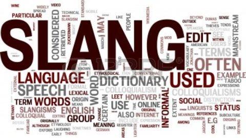 Il linguaggio di Whatsapp, degli SMS, dei Social rovina o arricchisce la buona scrittura?